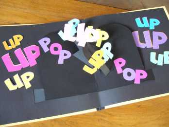 "Livre pop-up ""Up, up, up"""